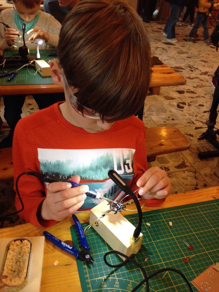 makerfaire-kids-soldering-01.jpg